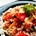 Салат с помидорами и рисом