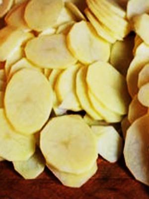 Рецепт домашней картошки с вечтиной, приготовленной в пароварке