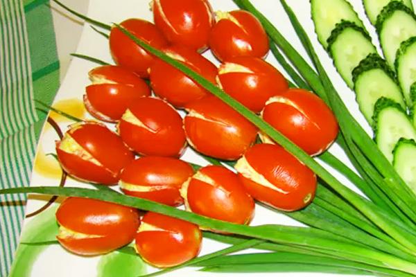 Красивая нарезка огурцов и помидоров