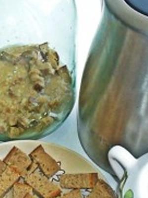 Светлый квас из пшеничного хлеба - домашний рецепт