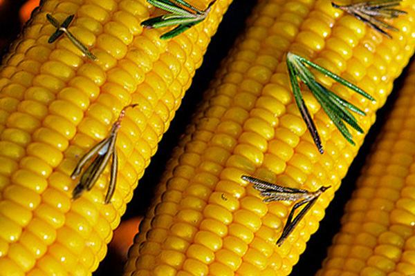 Готовим консервированную кукурузу