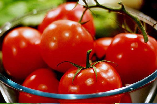 Почему нельзя беременным есть помидоры