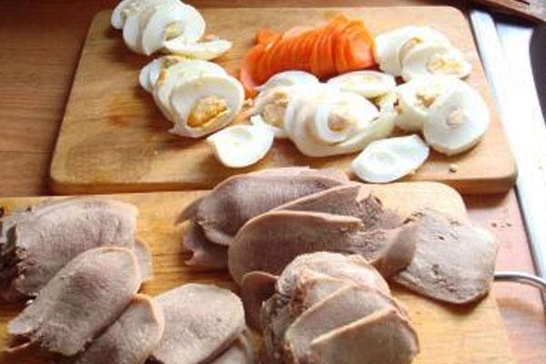 Готовим заливное из свинины