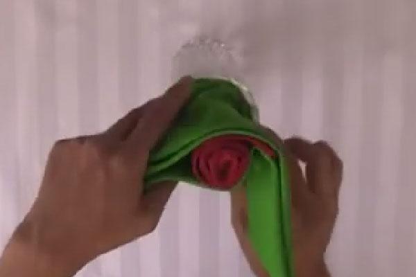 Роза из тканевой салфетки пошаговая инструкция