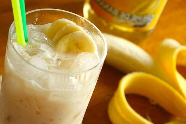 Банановый коктейль на завтрак