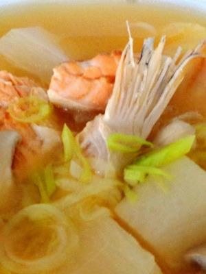 Уха из брюшек семги - домашний рецепт