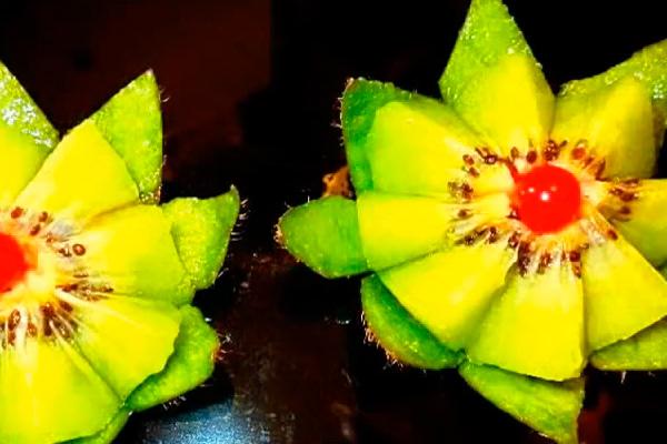 Цветок из киви