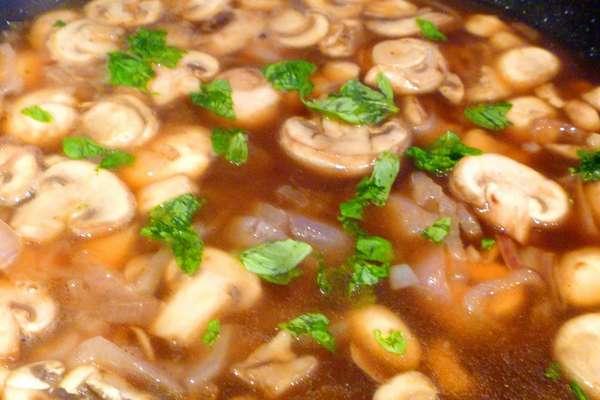 Томатный соус с шампиньонами