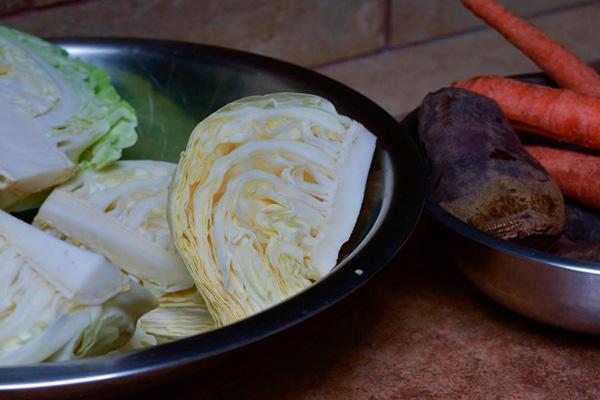 Рецепт суточной капусты кусочками