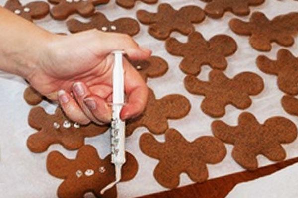 Украшаем новогоднее печенье