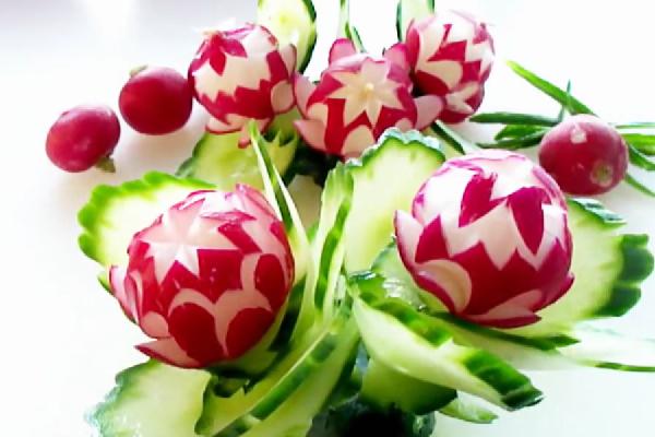 Красивые цветки из редиски
