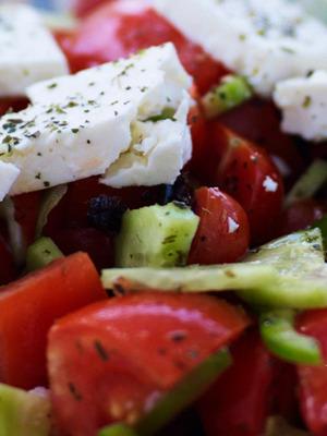 Классический греческий салат с брынзой