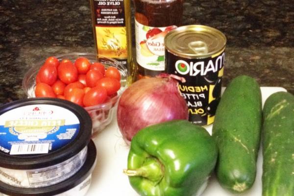 Ингредиенты для греческого салата с брынзой