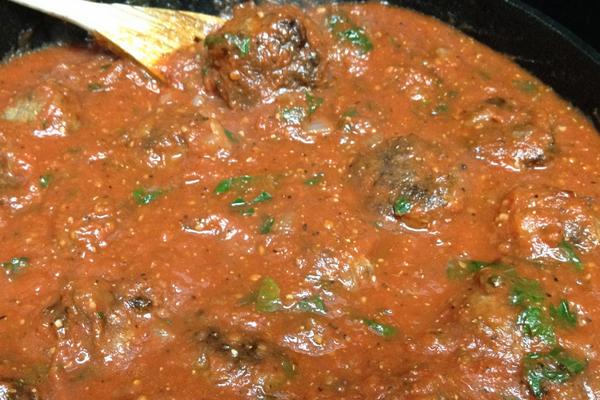 Роль соуса в приготовлении тефтелей