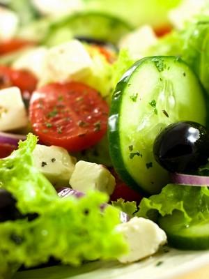 Готовим греческий салат с моцареллой - классический рецепт
