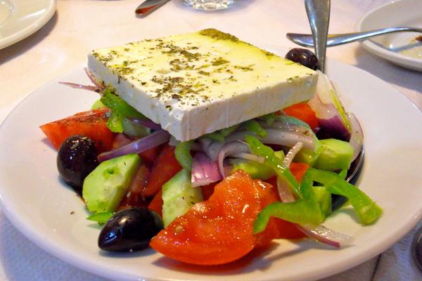 grecheskij-salat-s-sirtaki