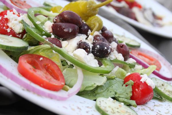 grecheskij-salat-s-sirtaki2