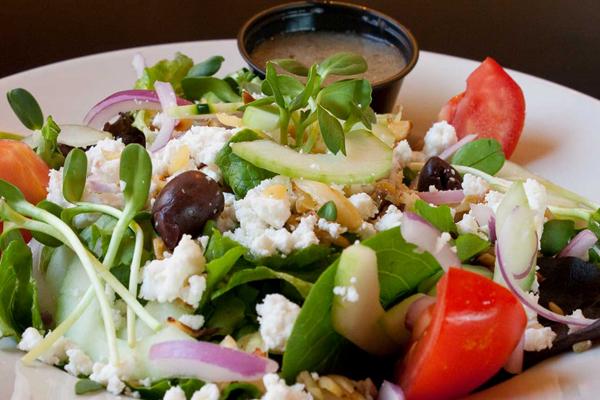 grecheskij-salat-s-sirtaki4