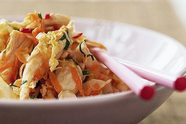 Салат из китайской капусты с сухариками