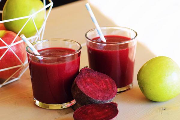 Как приготовить сок из красной свеклы