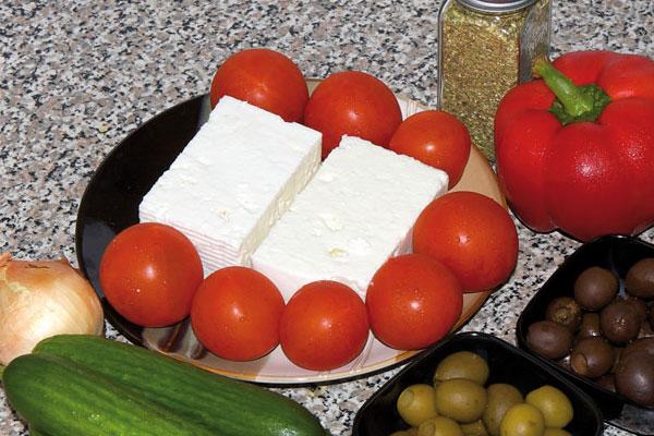 Выбираем помидоры для греческого салата