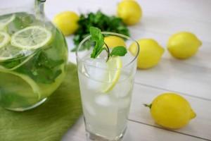 limonad-s-myatoj-i-limonom