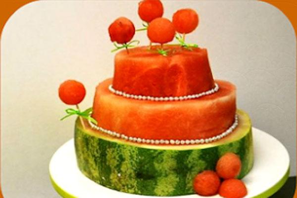 Красивый торт из арбуза