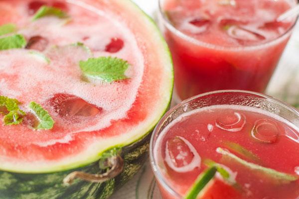 Крюшон из арбуза и фруктового сока
