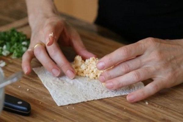 Жаренная фасоль с печенью