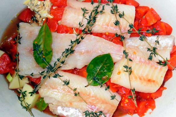 Салат из копчёной колбасы и свежего огурца
