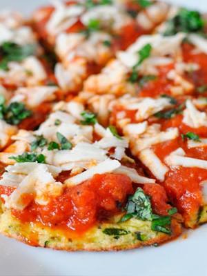 Низкокалорийная пицца из кабачков в духовке - классический рецепт