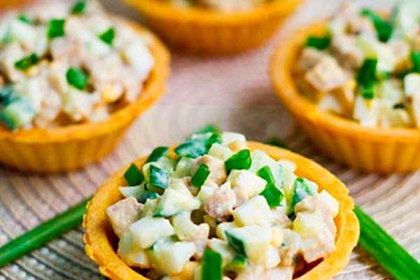 Салат «Фруктовая пальма» - необычный десерт на Новый Год