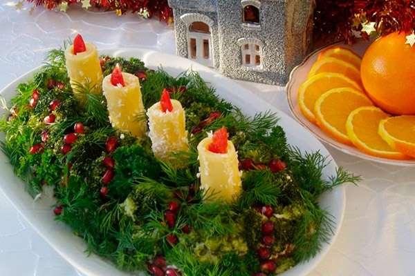 Как оформить новогодние салаты в виде свечи