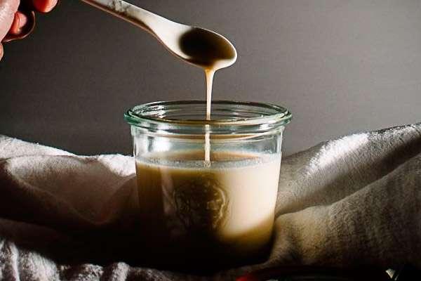 Рецепт домашньої згущеного молока з молока і цукру