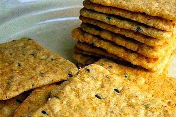 Соленое печенье в микроволновке