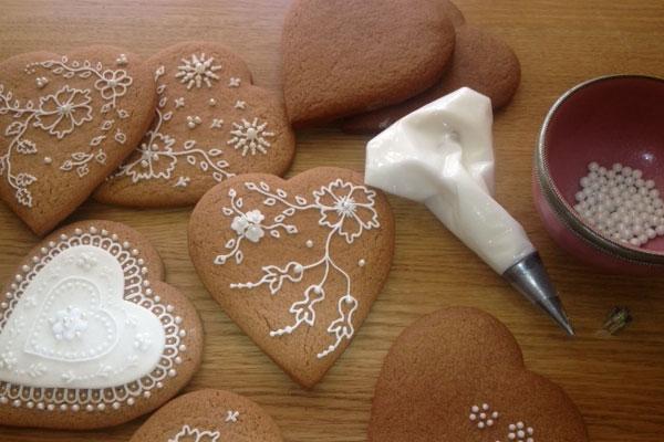 Чем украсить фигурное печенье с имбирем