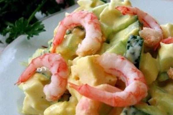 Простой салат с креветками на Новый год