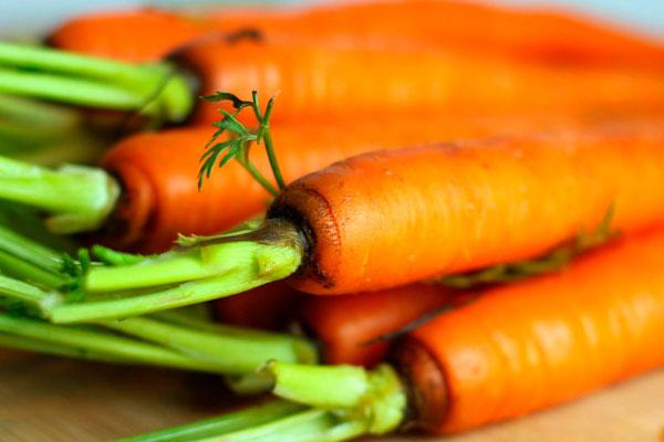 Морковь, как важный ингредиент для салата Оливье с колбасой