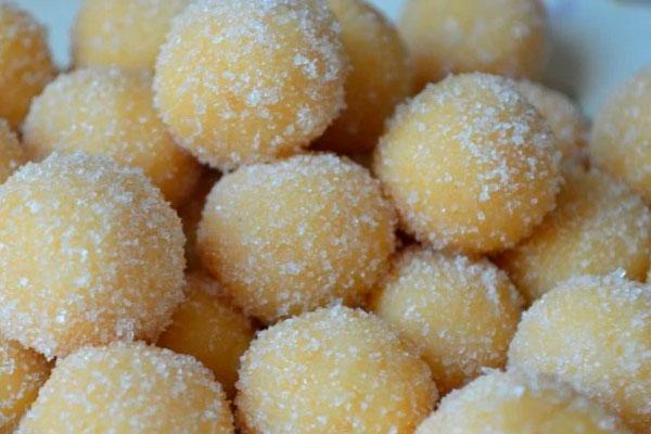 Рецепт пышных шариков из сгущенки, жаренных в масле