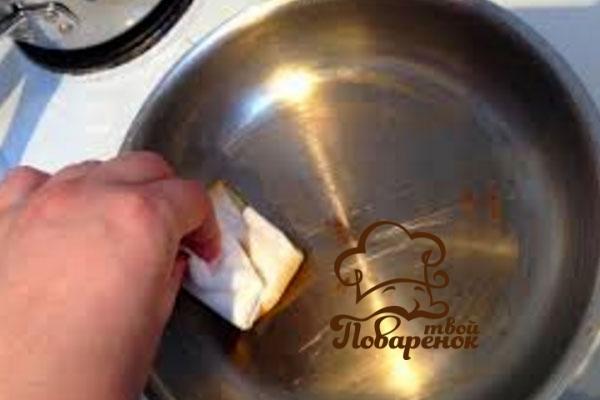 Чем смазывать сковороду для жарки блинов