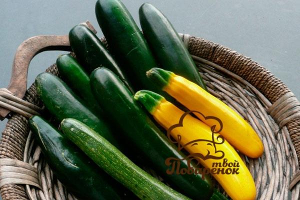 Малосольные кабачки быстрого приготовления по-домашнему - классический рецепт