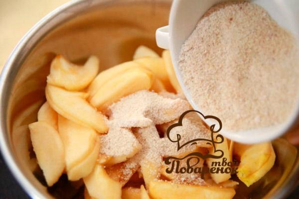 Как приготовить классическую яблочную шарлотку - домашний рецепт
