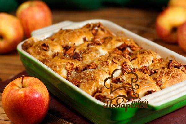 Как правильно испечь шарлотку с яблоками