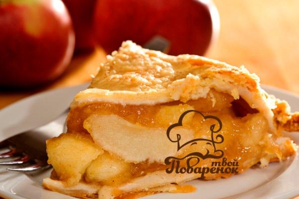 Традиционная песочная шарлотка с яблоками в домашних условиях