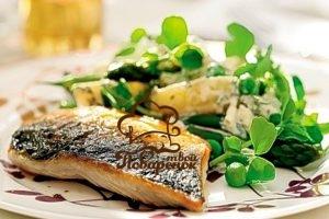 Как тушить рыбу на сковороде