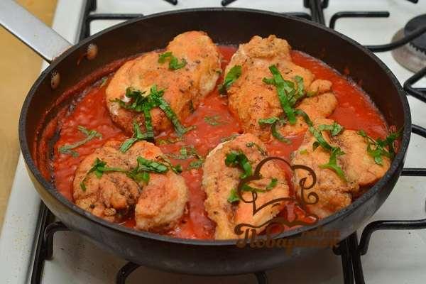 Как потушить курицу с овощами на сковороде рецепт с фото пошагово