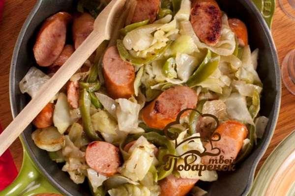 Как правильно потушить капусту с колбасой