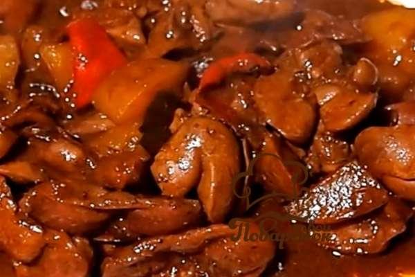 Куриные желудки в соевом соусе с чесноком