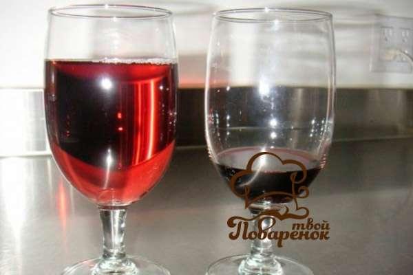 Как сделать вино из замороженных ягод -  рецепт из клубники