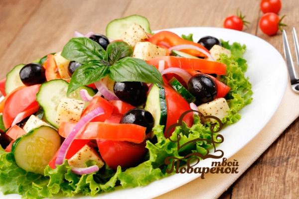 Греческий салат с сулугуни для гурманов - классический рецепт